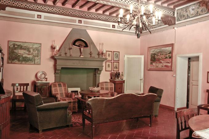 Donatella Cinelli Colombini - Sala degli stemmi, villa padronale
