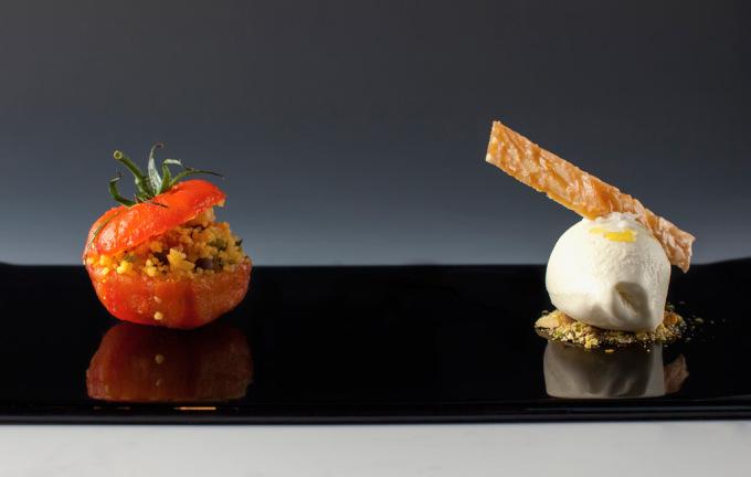 Konfitované rajče se sušeným ovocem, oříšky a zmrzlinou s extra panenským olivovým olejem