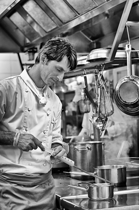 """Tomáš Kalina Restaurace Café Bar """"Noodles"""", Hotel Yasmin Praha"""