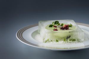 Okurková polévka s cevichem z mušlí : Miroslav Grusz